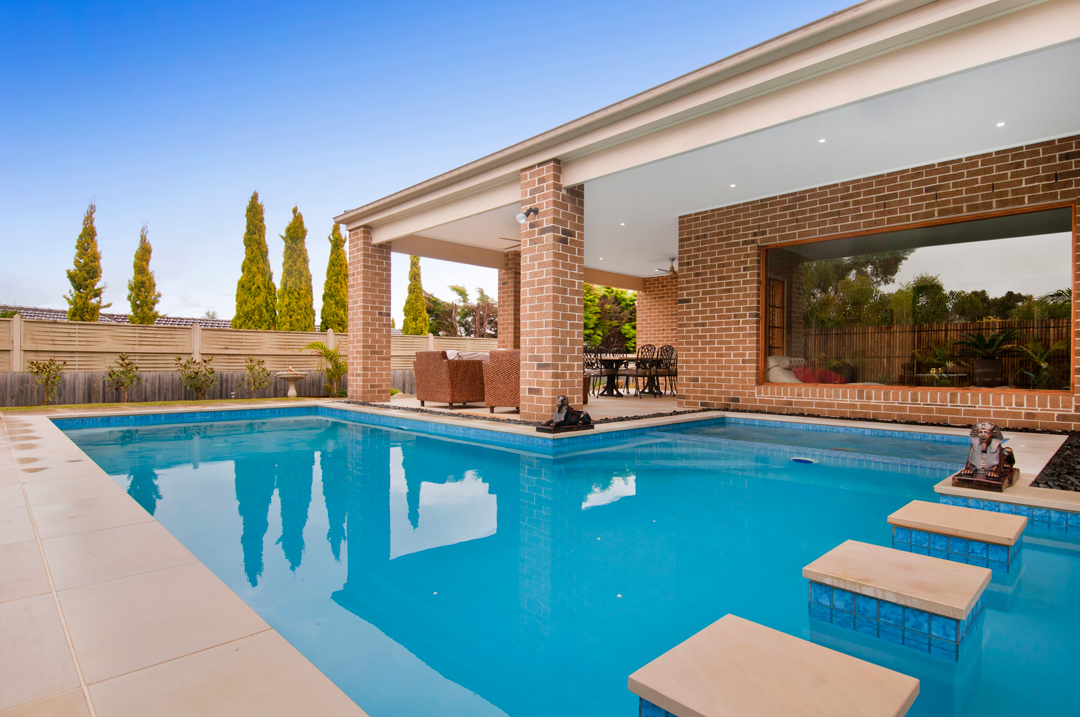 Seaspray pools melbourne pool and outdoor design for Outdoor swimming pools melbourne