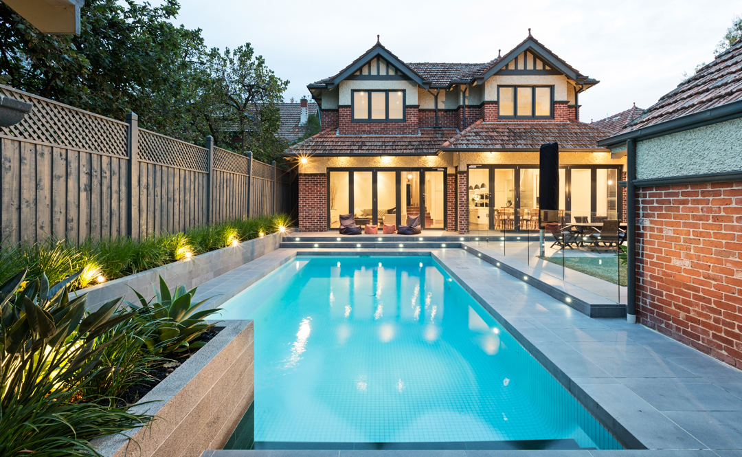 Southern cross swimming pools melbourne pool and outdoor design for Outdoor swimming pools melbourne