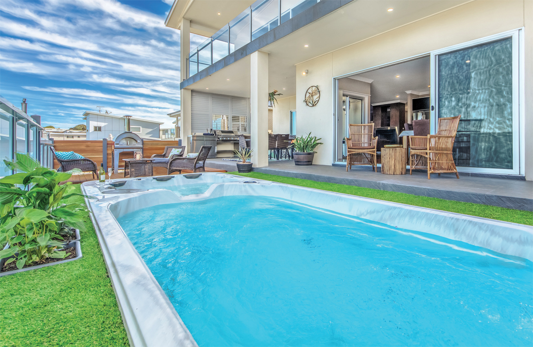 Urban pool melbourne pool and outdoor design for Outdoor swimming pools melbourne