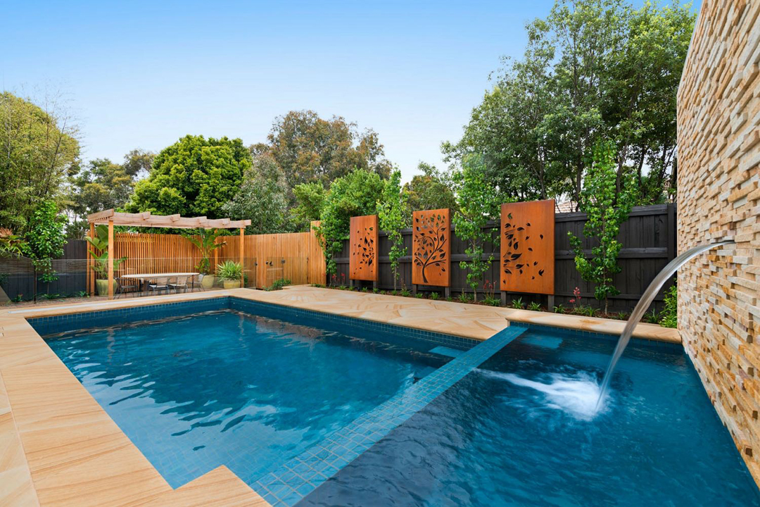 Andrew whyte landscape design melbourne pool and outdoor design for Outdoor swimming pools melbourne