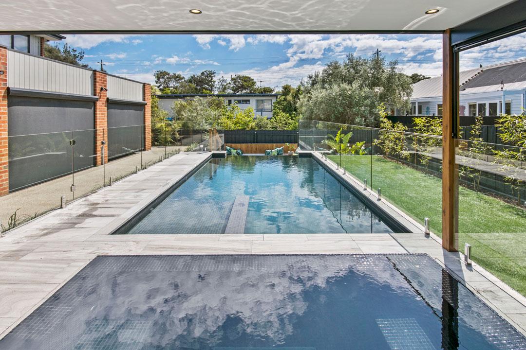 Watersedge Pools