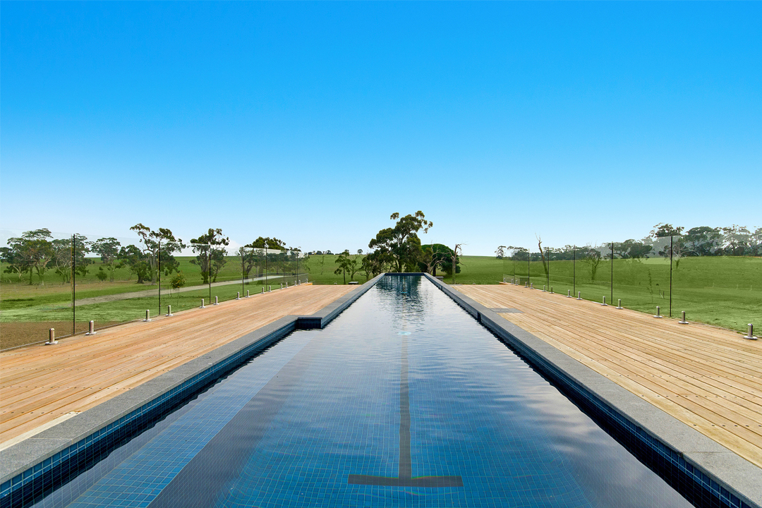 Best Residential Concrete Pool by Country Member - Gold